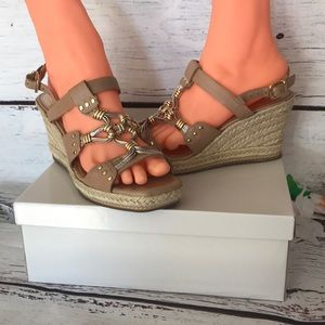 Antonio Melani Wedges Size 7,5